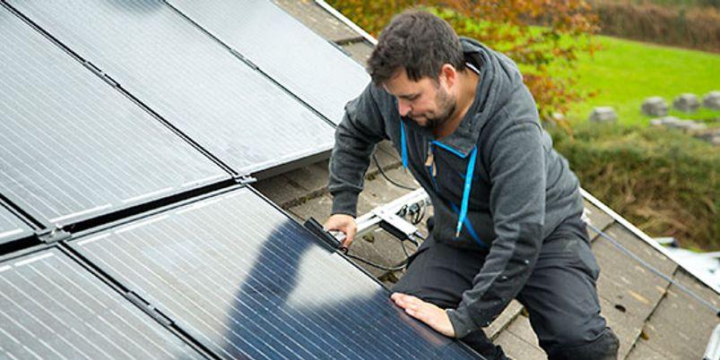 Free Solar Panels and Solar Panel Grants