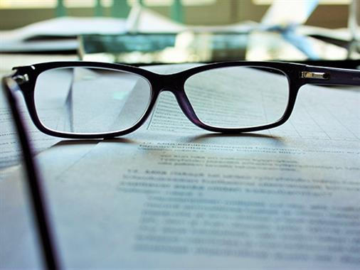Scholarship For People With Glasses